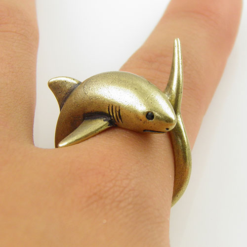 Animal Wrap RIng - Gold Shark